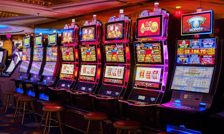 The Math Behind Slots: Do Casinos Have an Edge?