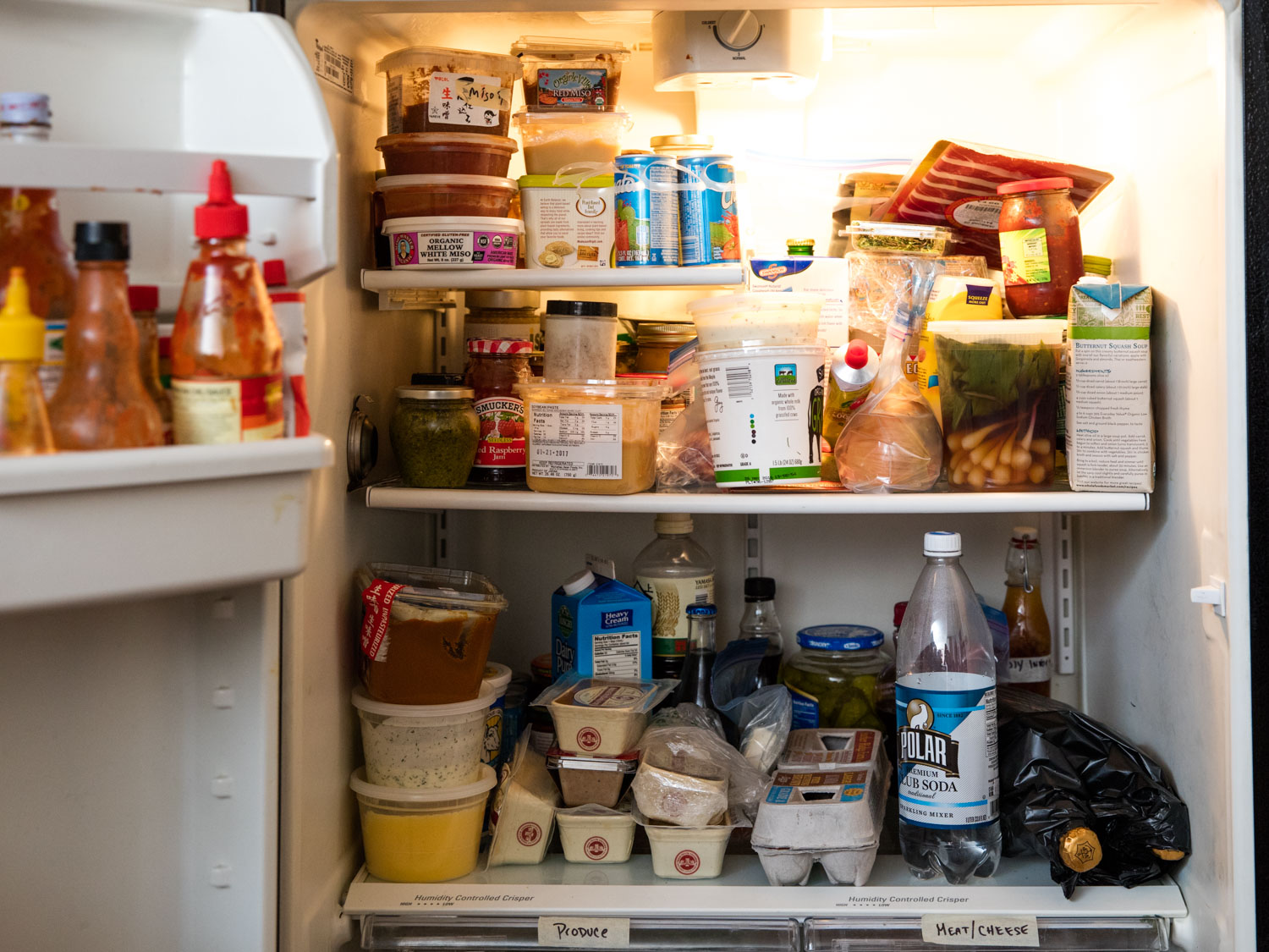 What are the simple questions about refrigerators before buying it for a family?